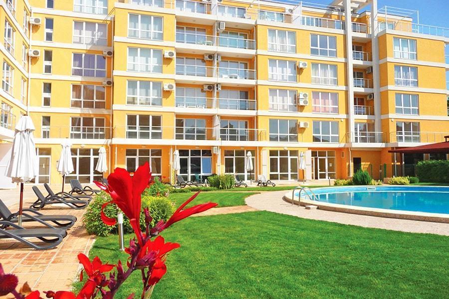 За ЕДНА нощувка на Слънчев бряг - хотел Флорес Парк с БЕЗПЛАТНО настаняване на 2 деца до 15 год. на допълнително легло с 2-ма възрастни / 01.06.2019 - 13.06.2019