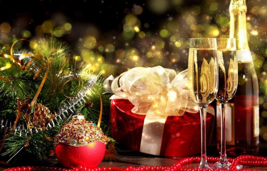 НОВА ГОДИНА ВЪВ ВЕЛИНГРАД - хотел Здравец Уелнес и СПА 4*, за ДВЕ нощувки със закуски, вечеря, празнична Новогодишна вечеря и закрит минерален басейн