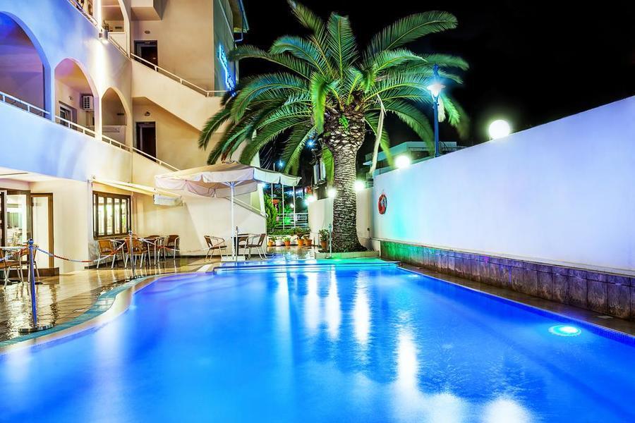 На море през пролетта в хотел Elinotel Polis 3*,  Халкидики, Касандра - ДВЕ нощувки, закуски, вечери и външен басейн / 30.04 - 22.05.2020